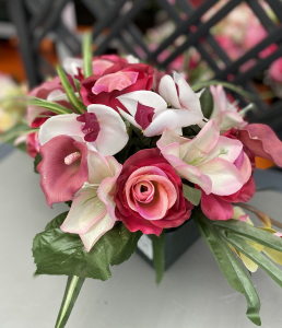 Coupe roses, orchidées et zinnias - Artificiel