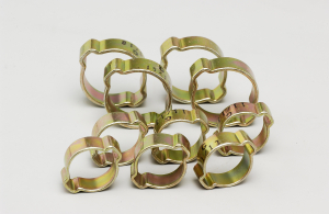 Colliers oreilles pour tuyau - 1518