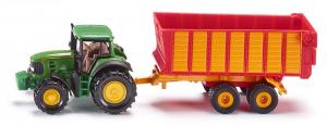 Tracteur John Deere avec remorque d'ensilage