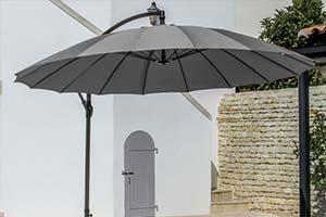 parasol déporté ombre été